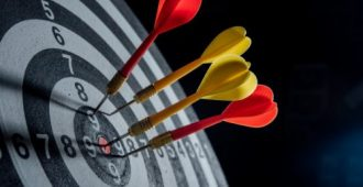 darts-arrows-target-center-business-concept_1150-7676-500x280